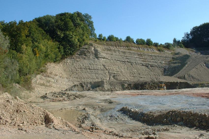 Recherche de sites pour l'implantation d'une DCMI en région lausannoise. Vérification des conditions géologiques et hydrogéologiques selon OTD.
