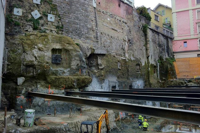 Construction d'un immeuble en centre urbain
